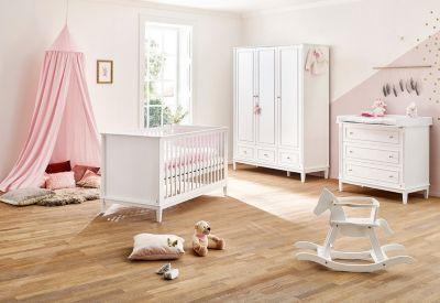 Pinolino Komplett Kinderzimmer Hope, breit und groß, 3-tlg. (Kinderbett 70 x 140 cm, breite Wickelkommode und Kleiderschrank 3-türig), weiß lackiert
