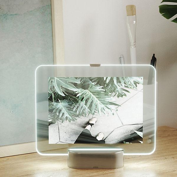 bilderrahmen mit led beleuchtung glo f r 13 x 18 cm silber umbra yomonda. Black Bedroom Furniture Sets. Home Design Ideas